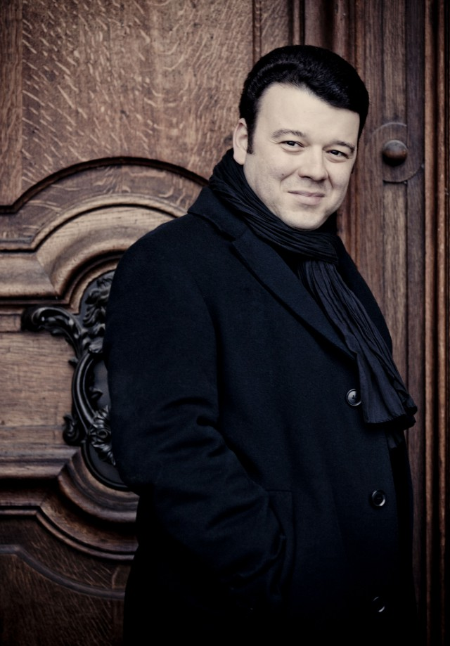 Vadim Gluzman Photo: Marco Borggreve